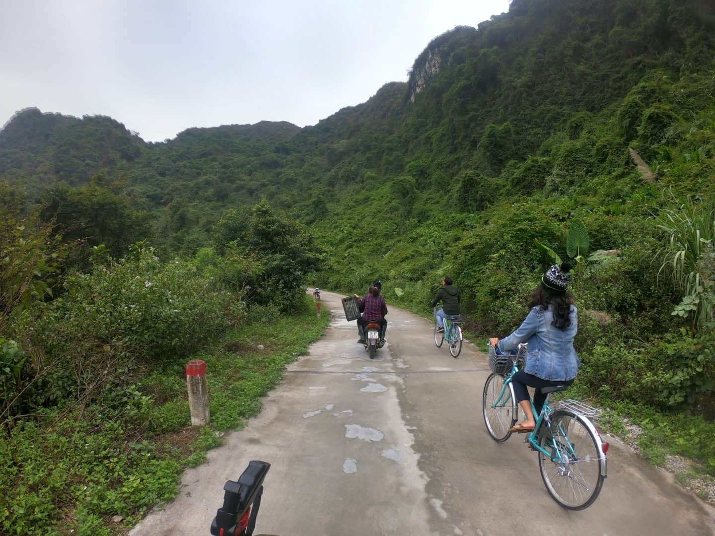 Backpacking to Cat Ba Island