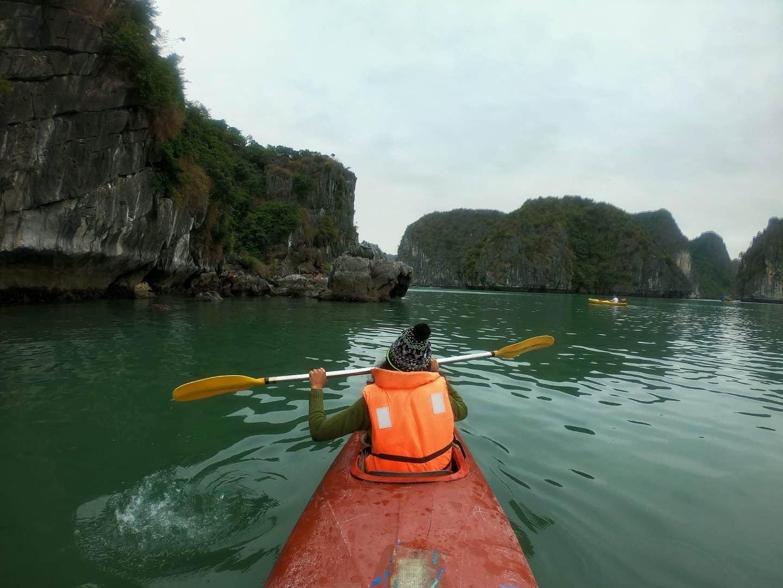 Kayaking in Cat Ba