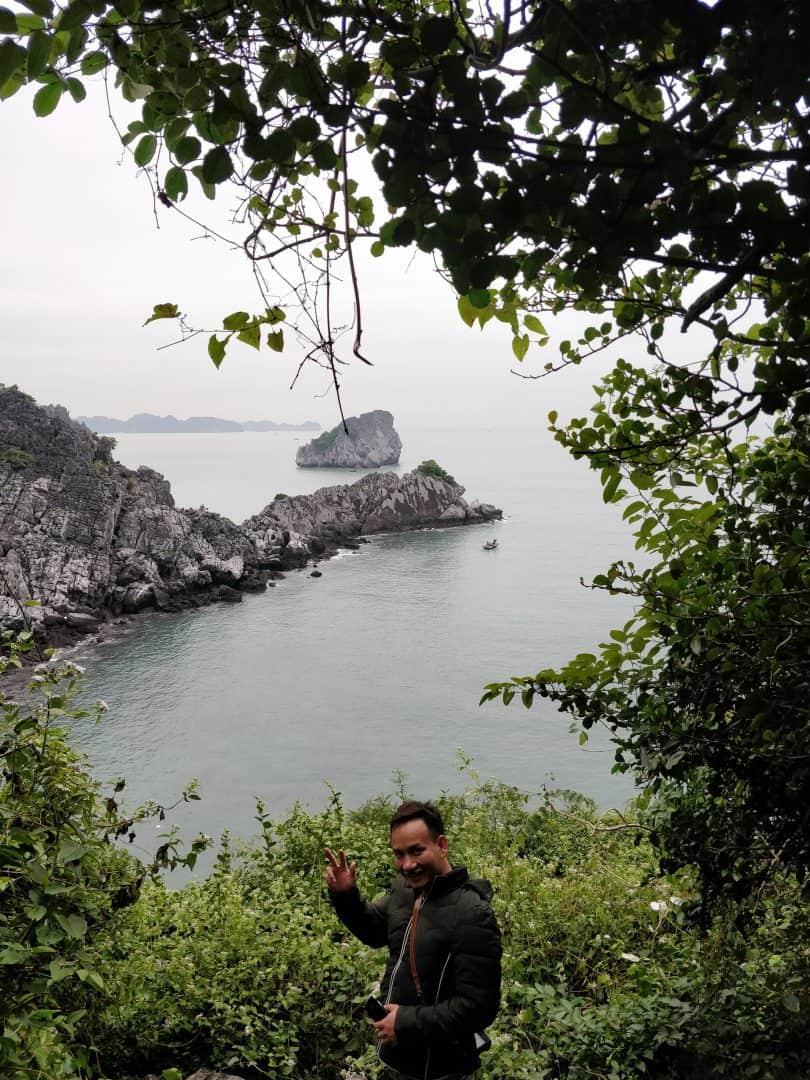 Backpacking to Cat Ba Island